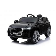 Audi Q5 (Black)
