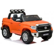 Toyota Tundra (Orange)
